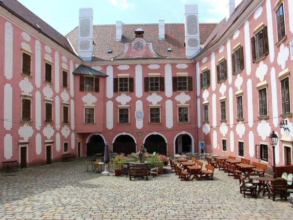 Innenhof der Stottertherapie in Österreich