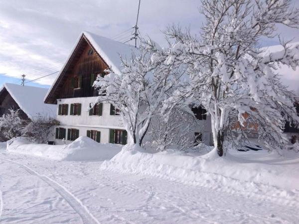 Das Seminarhaus im Winter der Stottertherapie in Süddeutschland